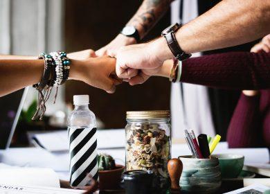 Amicizie sul luogo di lavoro: pro e contro