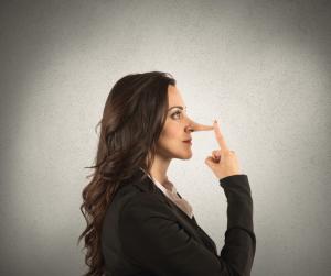 Lo scopo della bugia, di qualsiasi genere essa sia, è parte della comunicazione efficace e talvolta strategica. Chi mente cerca di mettere in campo un piano che gli permetta di ottenere ciò che vuole, è difficile infatti che il bugiardo menta a chiunque.