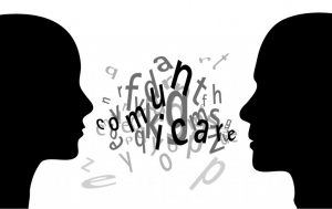 Scegliere il giusto tipo di comunicazione consente di superare le difficoltà di trasmissione del messaggio e correggere le eventuali distorsioni del canale comunicativo. Per far questo, si ritiene opportuno ricordare la differenza tra la Comunicazione Efficace e la Comunicazione Strategica.