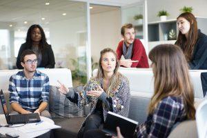 Nella gestione di una community, un aspetto fondamentale nella realtà di un business consiste nel contatto diretto con la propria audience.