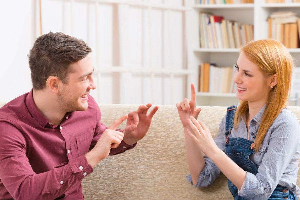Parlando di comunicazione sorgono collegamenti immediati che rendono conto della nostra associazione spontanea all'idea stessa di comunicare.