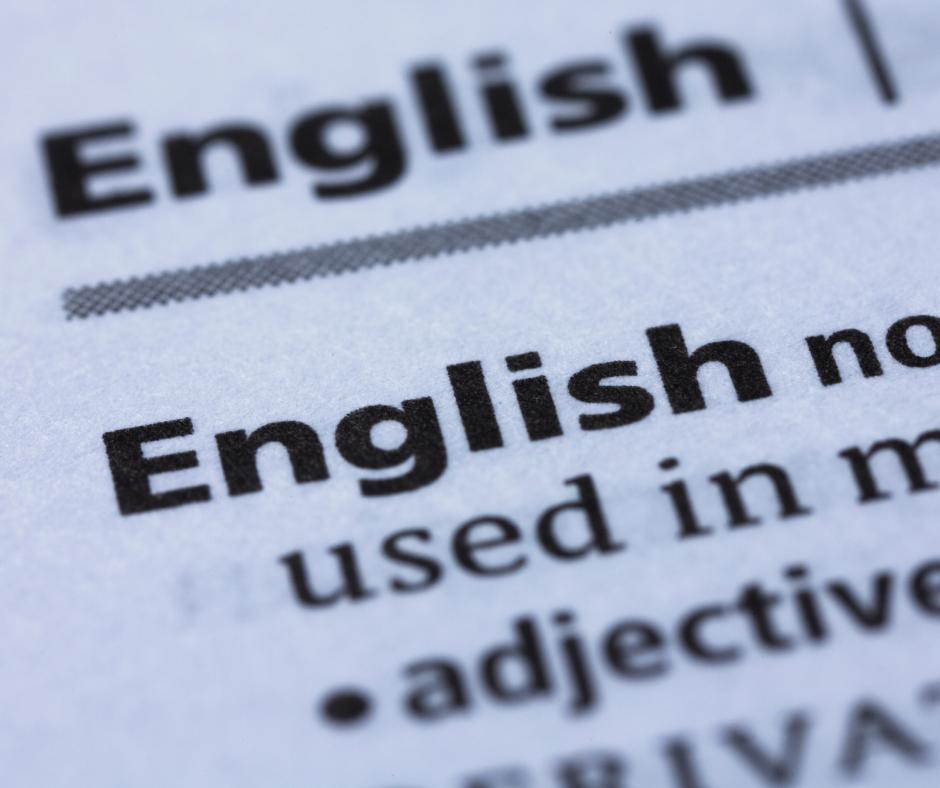 Le parole inglesi vengono ormai allineate alle parole italiane, quasi fossero la stessa lingua o addirittura indispensabili alla chiarezza.